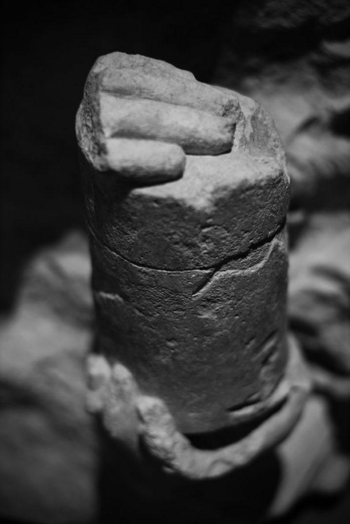 Mains et urne